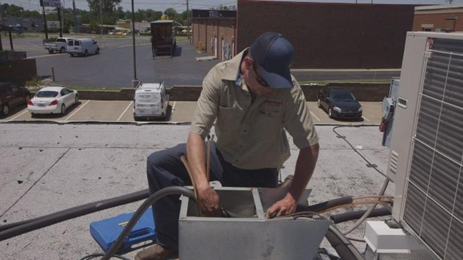 HVAC workers swamped during heat wave